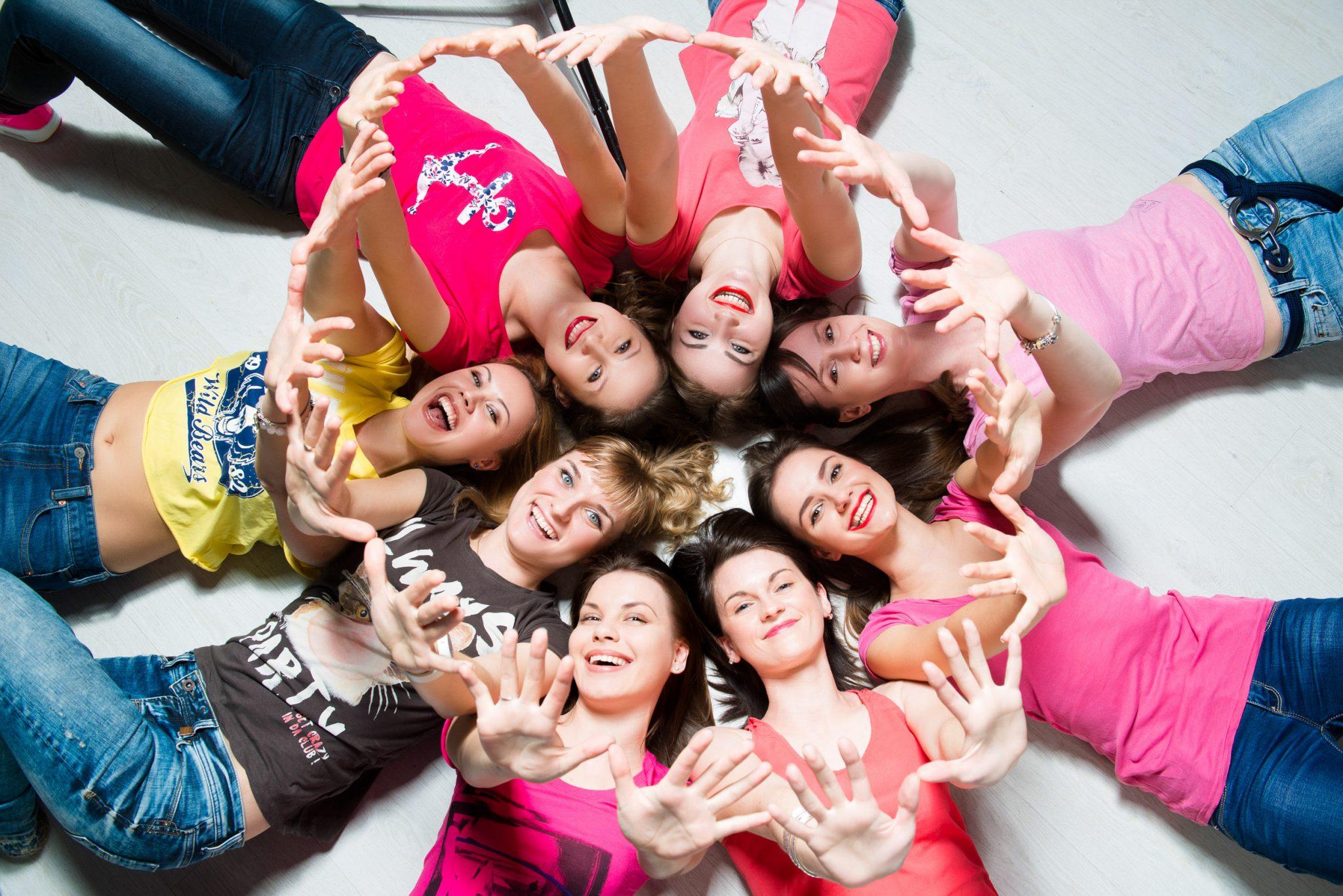 Девичник (фотосессия с подружками) в фотостудии Frontpage