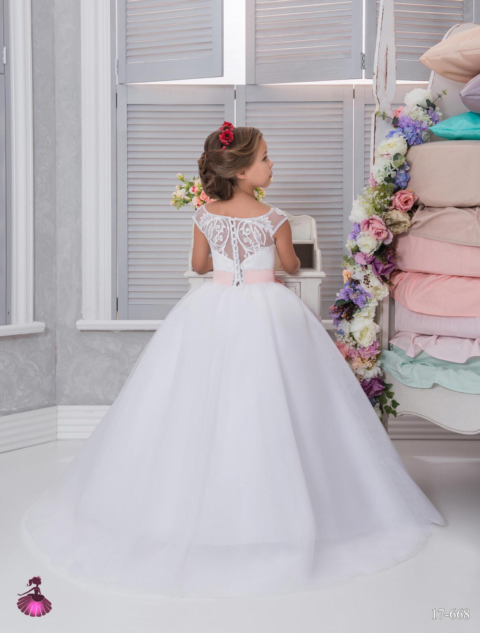 Аренда платьев Little queen dress в фотостудии Frontpage 17-668 02
