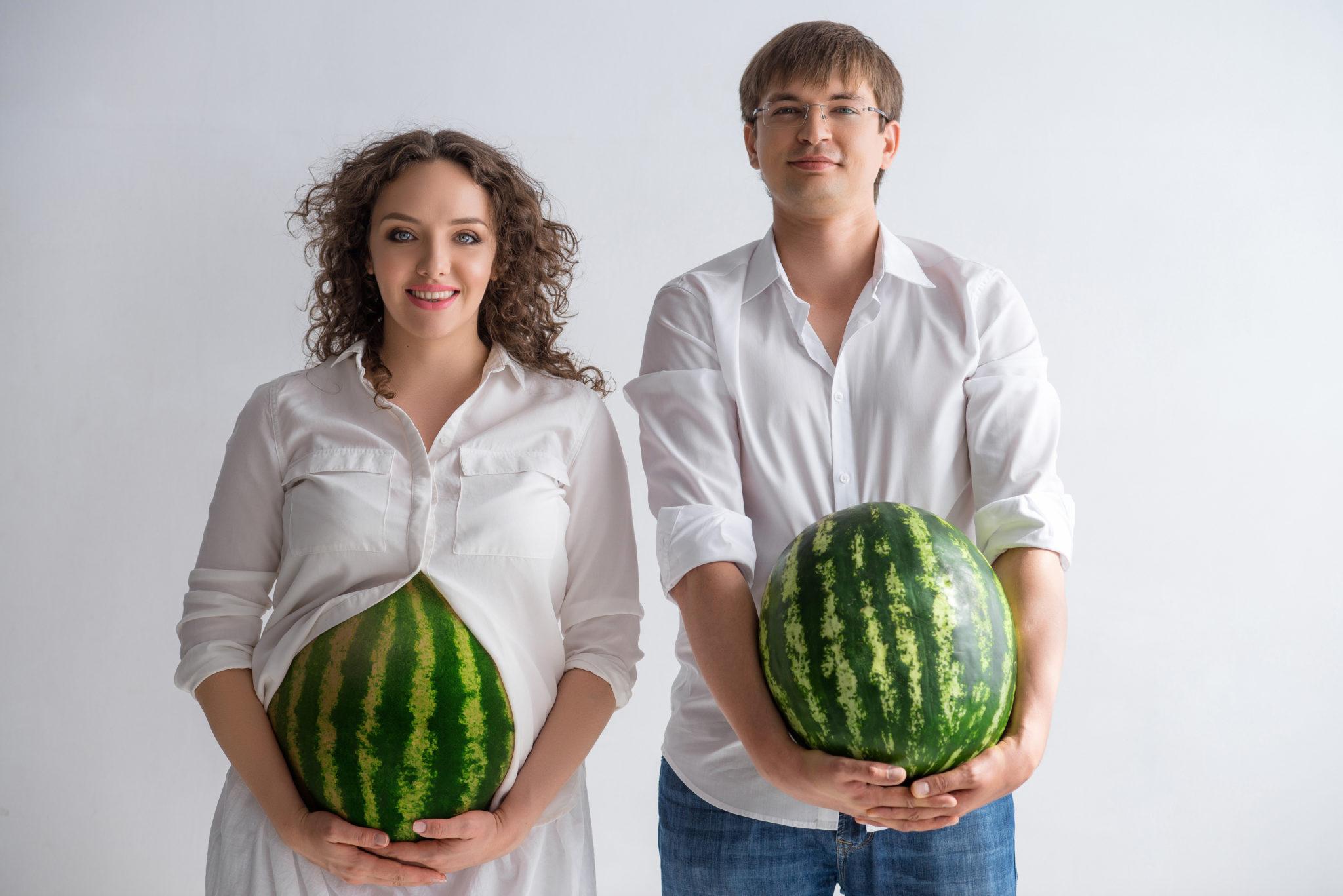 Боди-арт, беременность, арбузы