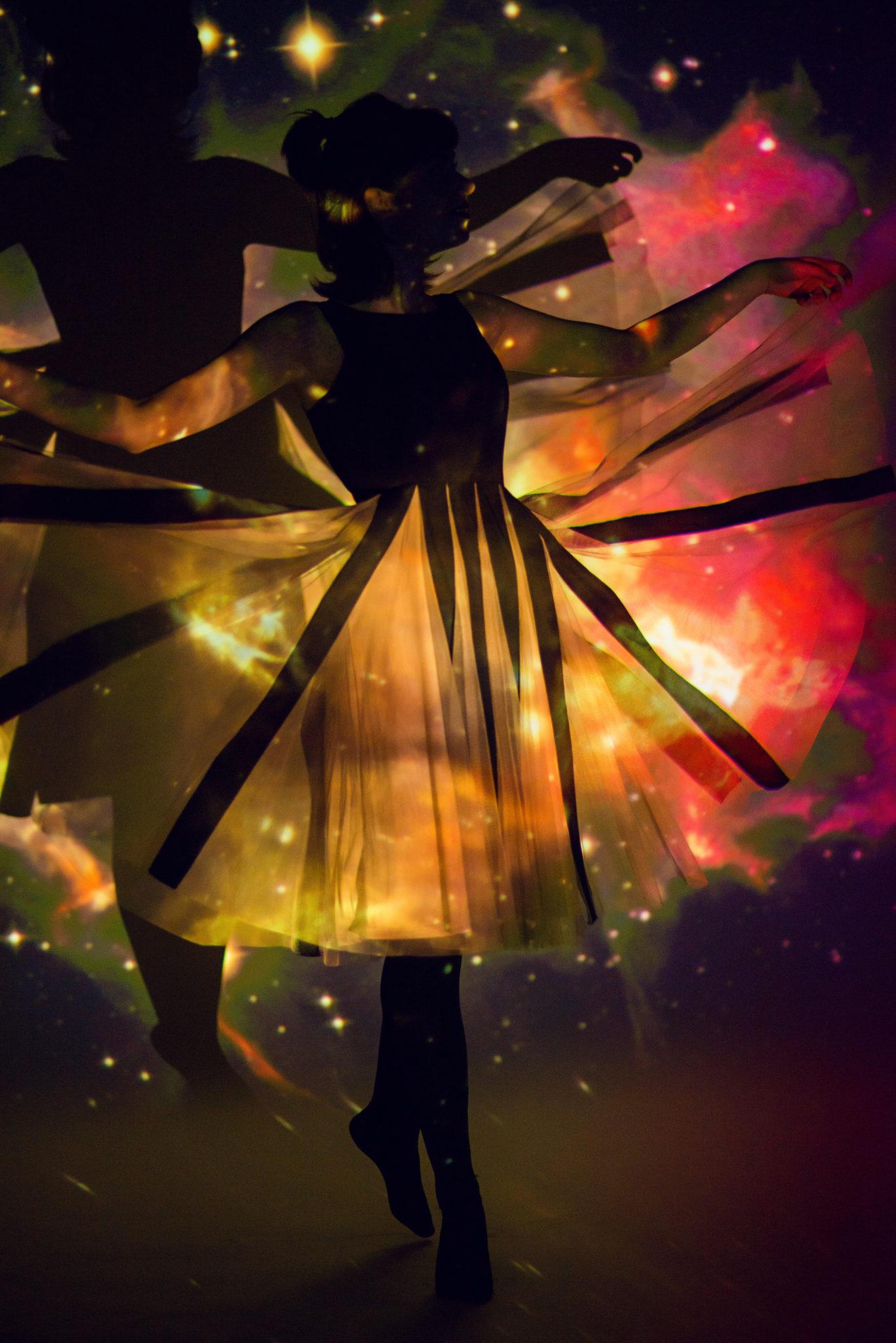 Съемка с проектором, фотосессия с проектором, цвет, фон звездное небо