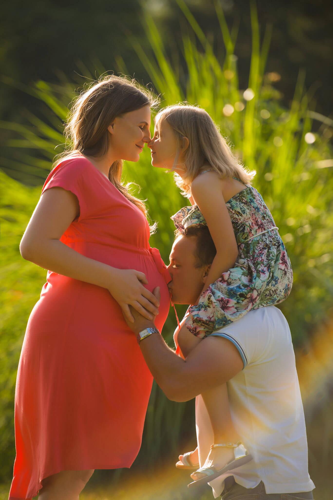 Фотосессия беременных на природе, портфолио, фото Черкасов, семья из 3ех человек
