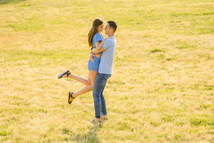 Love story фотосессия, на природе, фото пары на природе 18