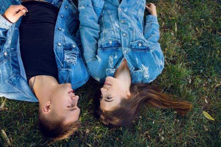 Love story фотосессия, на природе, фото пары на природе, цвет 2