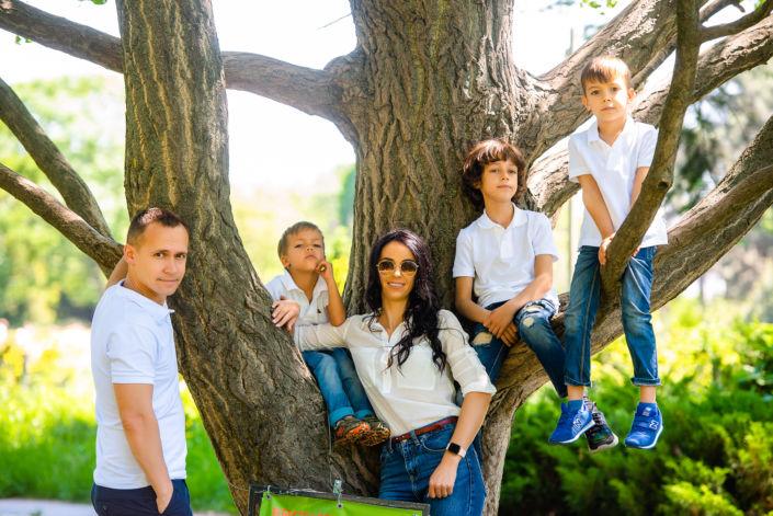 Семейная фотосессия на природе 9