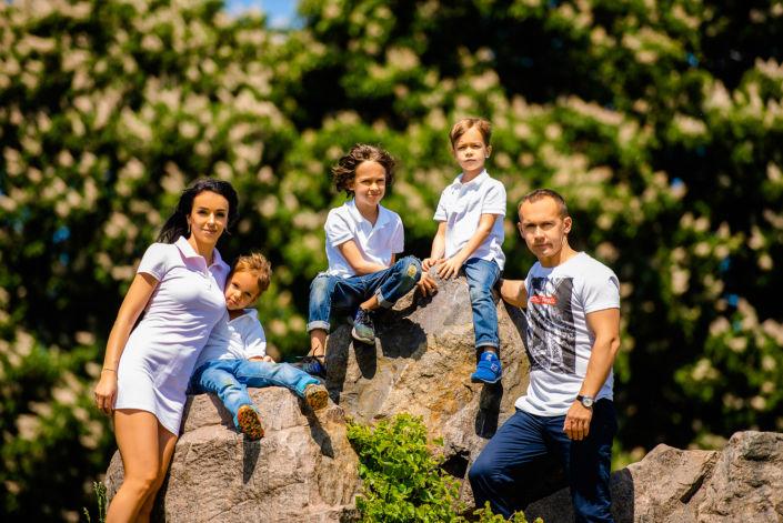 Семейная фотосессия на природе 11