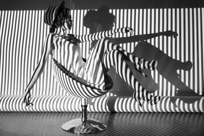 Съемка с проектором, фотосессия с проектором, Постникова Алиса, модель Головацкая Мария